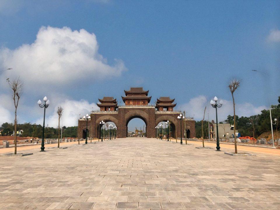 Cổng chào vào đường Bắc Sơn kéo dài
